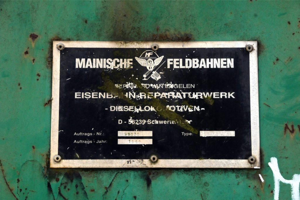 Zuletzt renoviert wurde die Spielplatzlok im Jahre 1999 in der Werkstatt der damaligen Mainischen Feldbahnen im Schwerter Güterbahnhof, die ihr Firmenschild ans Führerhaus nieteten.
