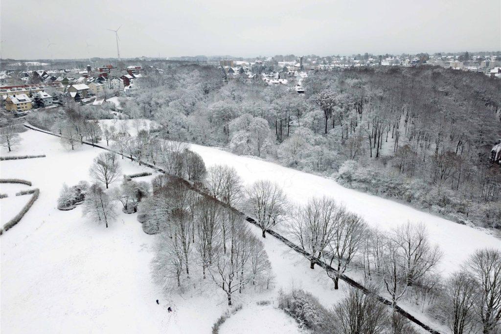 Aus unserem Redaktions-Copter ist 2019 dieser Blick über Rennbahn und Castroper Altstadt entstanden.