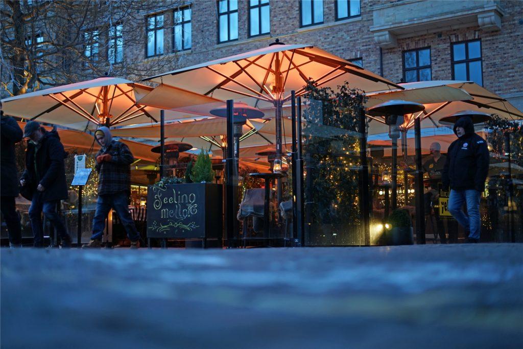 Die Bars und Restaurants in Schweden sind trotz Corona-Pandemie geöffnet.