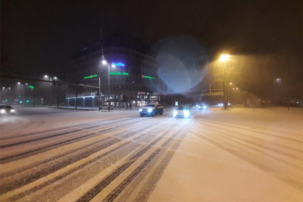 Die verschneite Münsterstraße am Sonntagmorgen.
