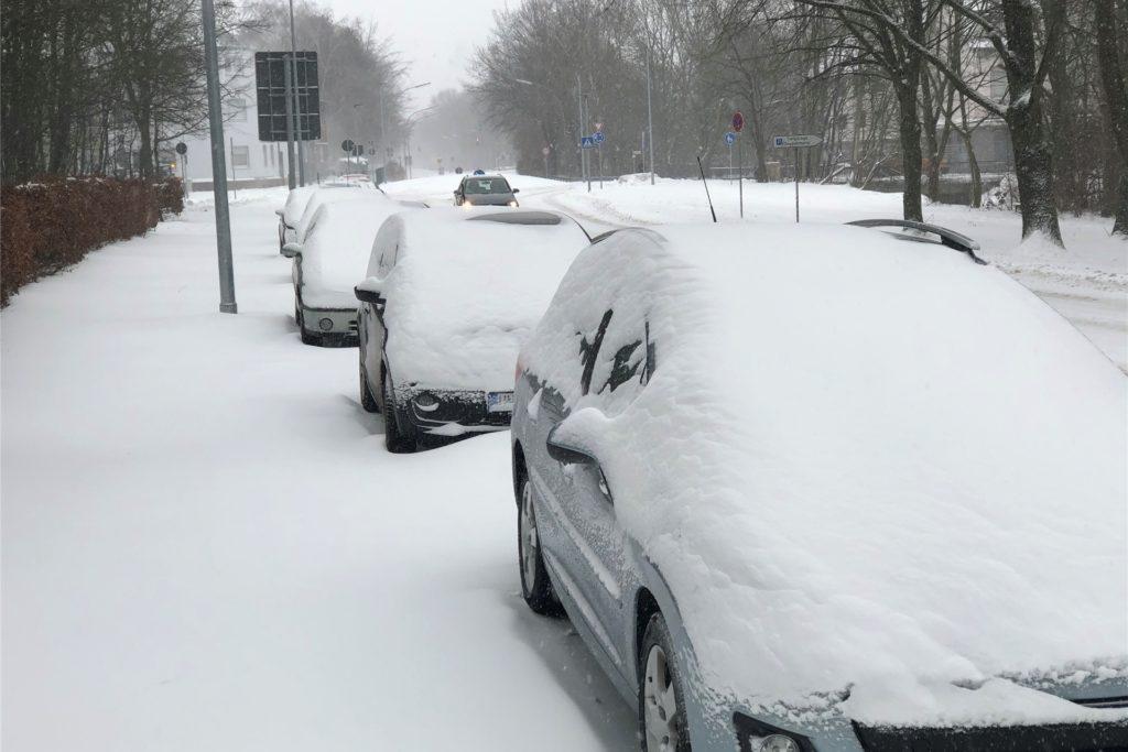 Werne ist in eine dicke Schneedecke umhüllt.