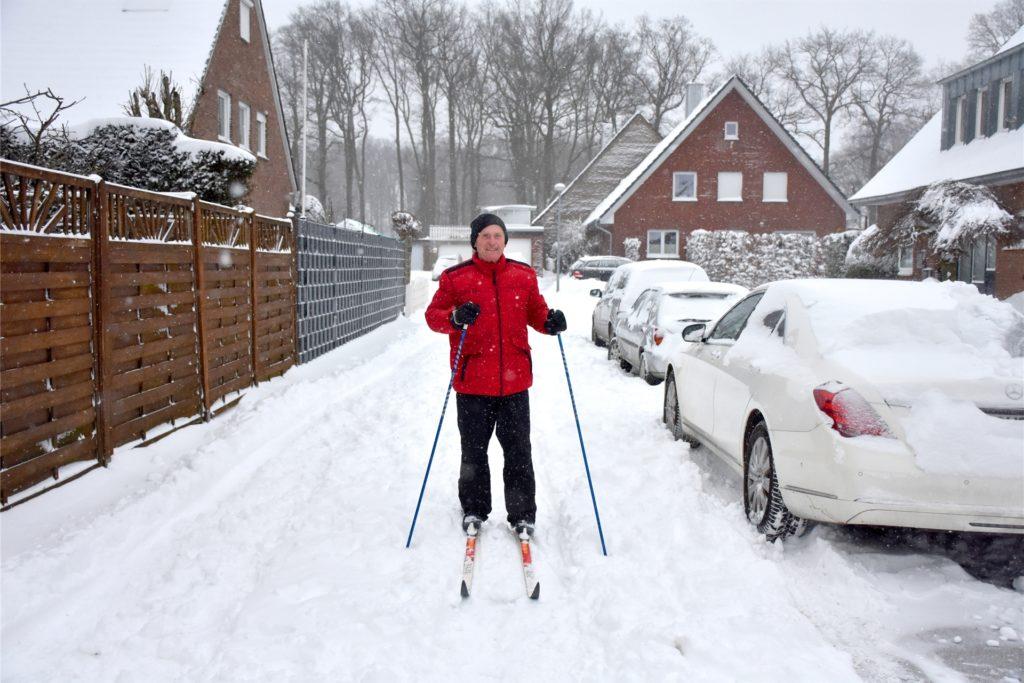 Vor 25 Jahren hatte sich Hans-Georg Fischer schon einmal auf den Weg gemacht: Ahaus-Epe-Ahle-Ahaus – eine Strecke von rund 45 Kilometern. Seither war die Schneedecke nicht mehr dick genug.