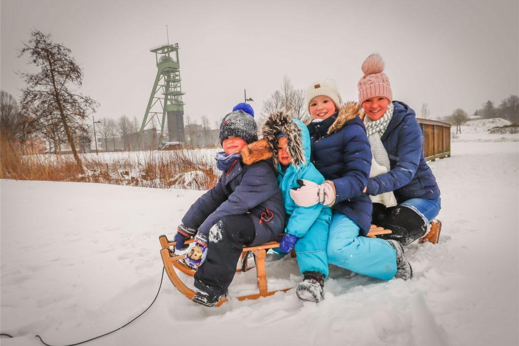 Viel Spaß hatten Kinder, die rodeln gingen so wie hier im Erinpark.