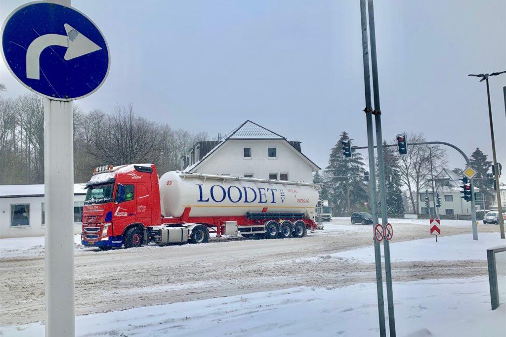 Dieser Lkw musste in Berghofen, in Richtung B236, aufgeben.