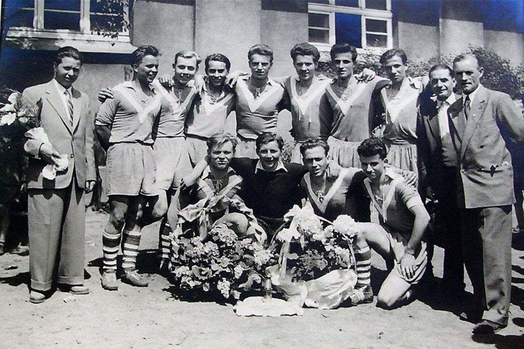 Mit der A-Jugend der BV Selm gewann Vitus Theil 1955 die Westfalenmeisterschaft - einer der ersten großen Erfolge des Vereins.
