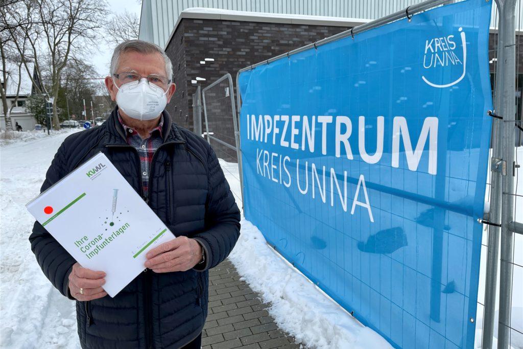 Günter Dreifuß ist zufrieden: Nach einer halben Stunde im Impfzentrum ist er fertig.
