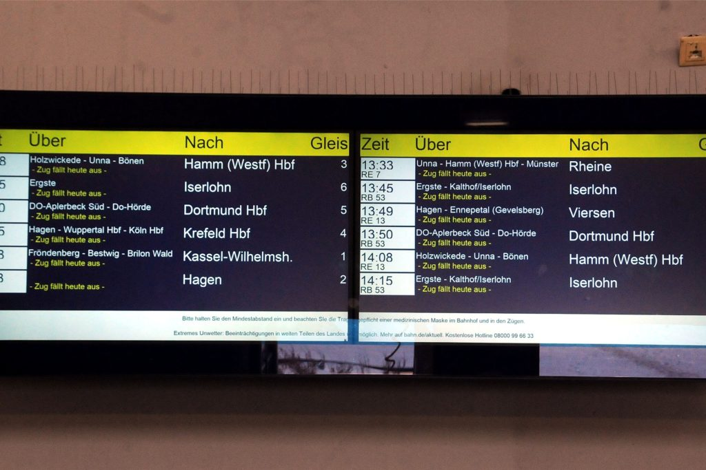 Zwölf Züge, zwölf Ausfälle meldete die Anzeigetafel im Schwerter Bahnhof am Montag.