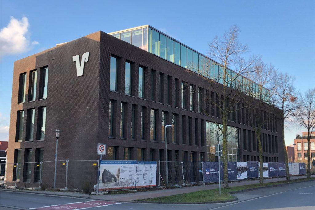 Das neue Beratungsgebäude an der Parallelstraße in Ahaus soll noch in diesem Frühjahr eröffnet werden. Im Moment hat der Bau dort noch Priorität. Je weiter die Arbeiten dort sind, desto mehr werde die Planung an anderen Standorten forciert – etwa in der Ahauser Innenstadt.