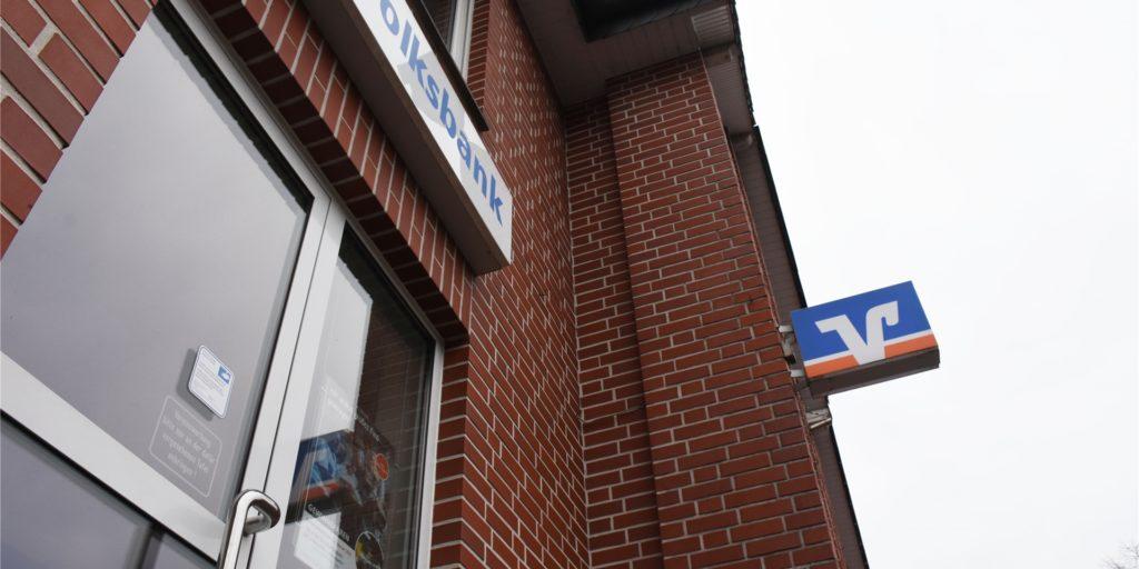 Über der Volksbank-Filiale in Lünten liegen Wohnungen. Die Volksbank Gronau-Ahaus ist auf der Suche nach alternativen Standorten. Kein Thema sei es, Standorte zu schließen.