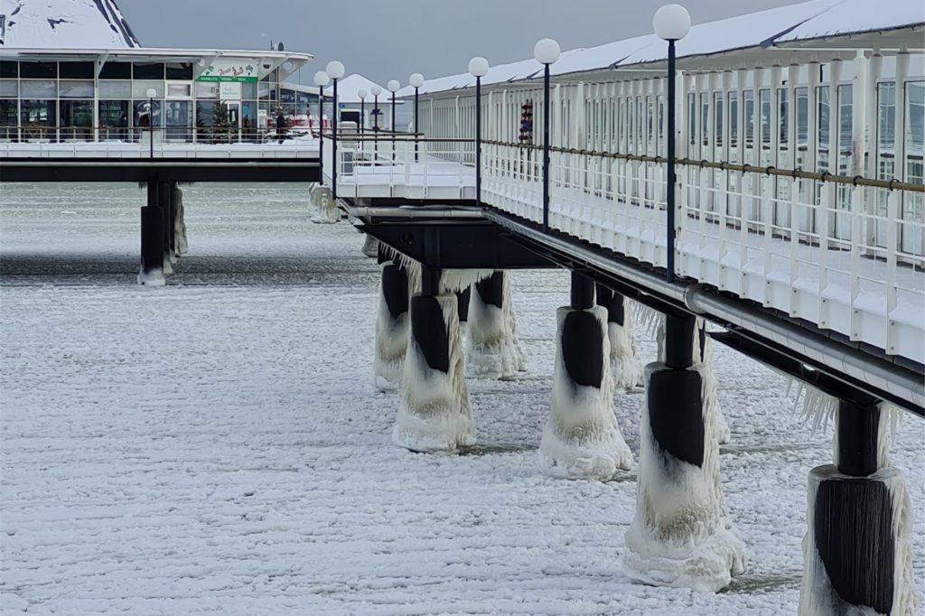 Die Winter-Wunderlandschaft auf Usedom - eine Situation, wie es sie seit Jahrzehnten nicht mehr gegeben hat.