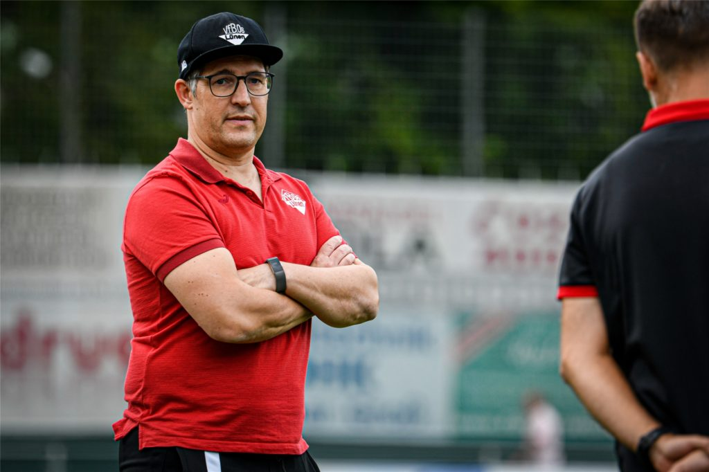 """Mark Bördeling vom VfB Lünen hält Masken beim Fußball für """"völligen Schwachsinn""""."""