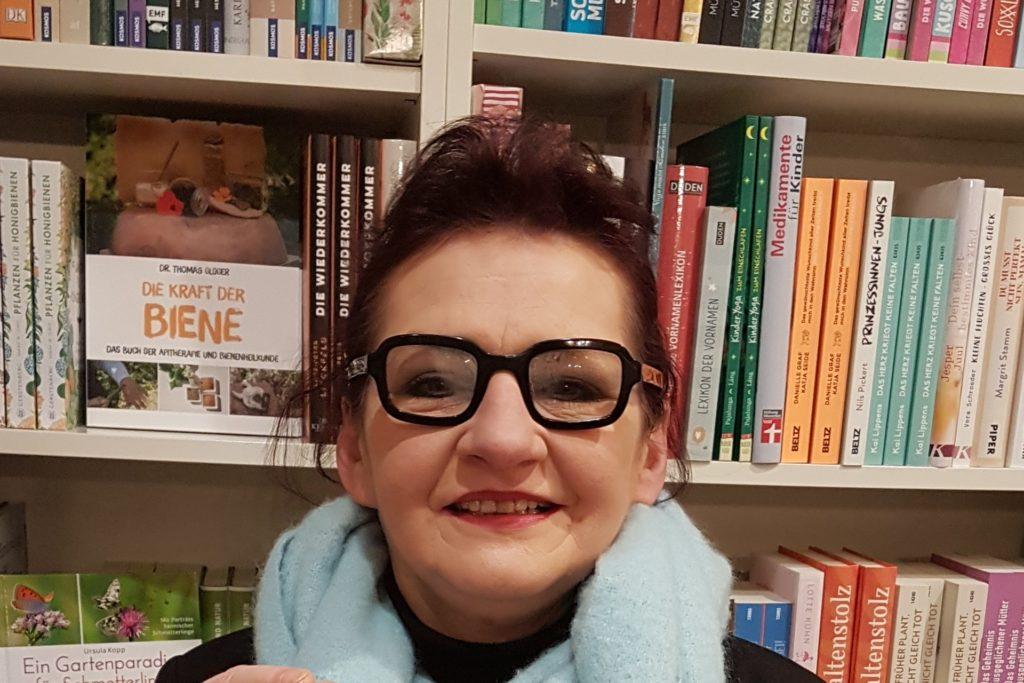 In Martina Tielkers Buchhandlung Leselust kann man Bücher am Rosenmontag nur bis 13 Uhr abholen.