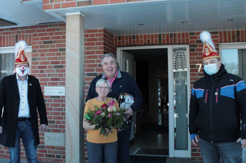 Maria und Bernd Schnell waren ganz überrascht von der Aktion.