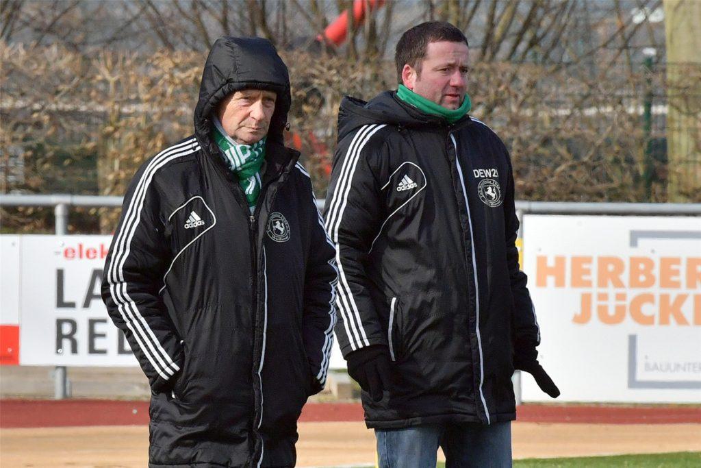 Bernd Völkering (r.) ist Jugendleiter beim TuS Westfalia Wethmar.