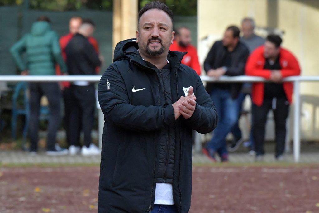 SG-Trainer Bülent Kara bringt eine mögliche Wildcard für den Aufstieg ins Spiel.