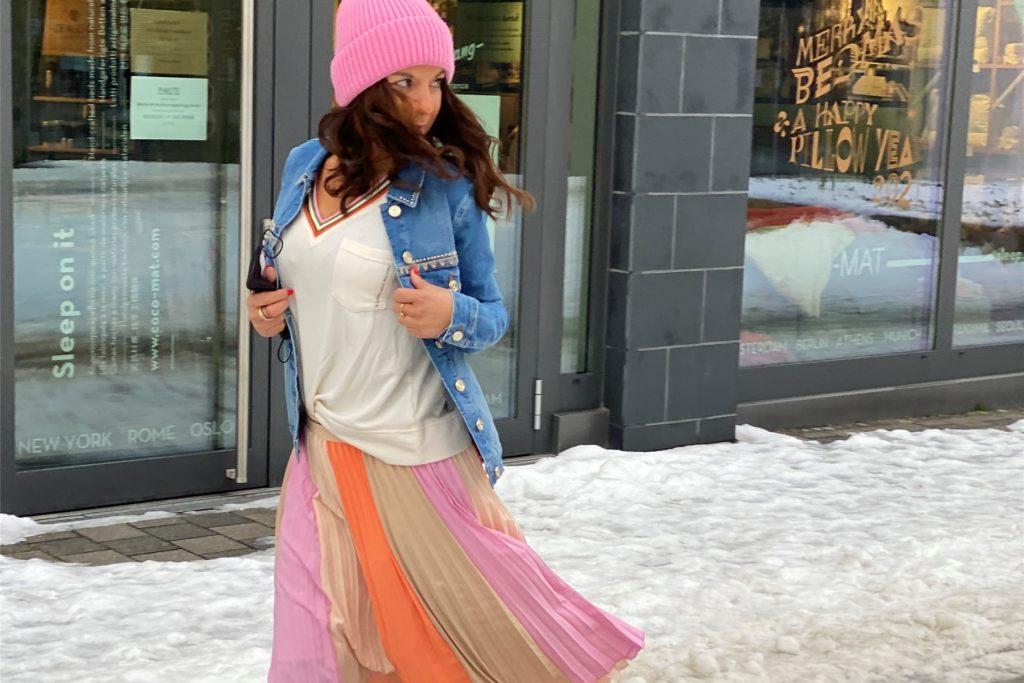 Frühlingshafte Farben und Styles machen am Rudolf-Platte-Weg Lust auf neue Mode.