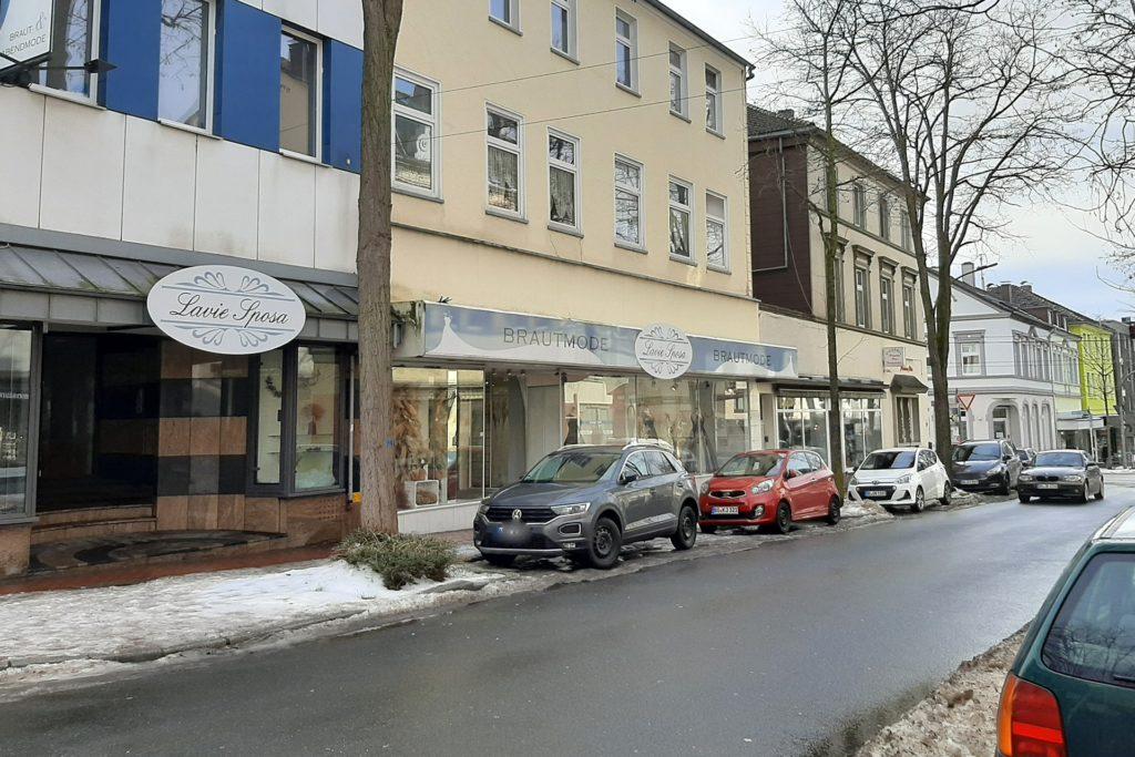 Das Geschäft Lavie Sposa an der Harkortstraße 88 ist wegen der Corona--Bestimmungen derzeit geschlossen. Für Claudia Haskic ein Ärgernis, weil die Regelungen in anderen Bundesländern eine Öffnung zuließen.