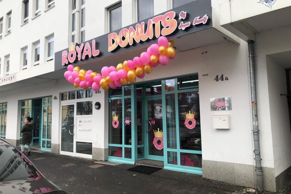 An der Münsterstraße hat eine neue Filiale von Royal Donuts eröffnet.