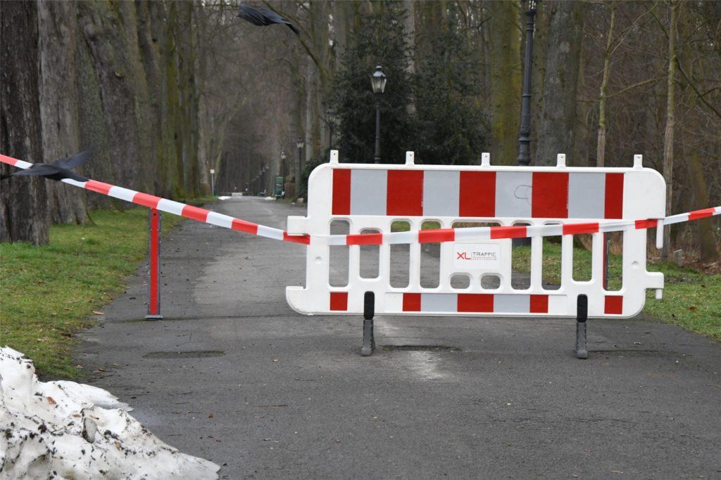 Wege entlang der Gräfte des Schlosses Nordkirchen sind für die Öffentlichkeit nicht zugänglich.