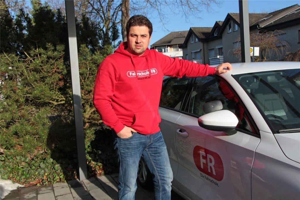Fahrunterricht findet nur noch selten statt, sagt Falk Rzepka. Diesen Wagen habe er seit Dezember nicht mehr eingesetzt.