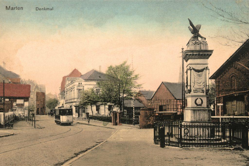Das alte Brauhaus, hier auf einer alten Postkarte im Hintergrund, war tatsächlich mal eine Brauerei.