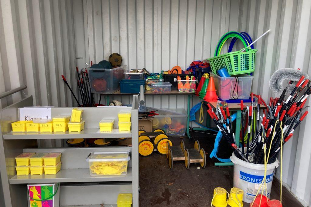 Die Grafengrundschule nutzt derzeit zwei Container: einen als Spieleausleihe, den anderen als Keller-Ersatz.