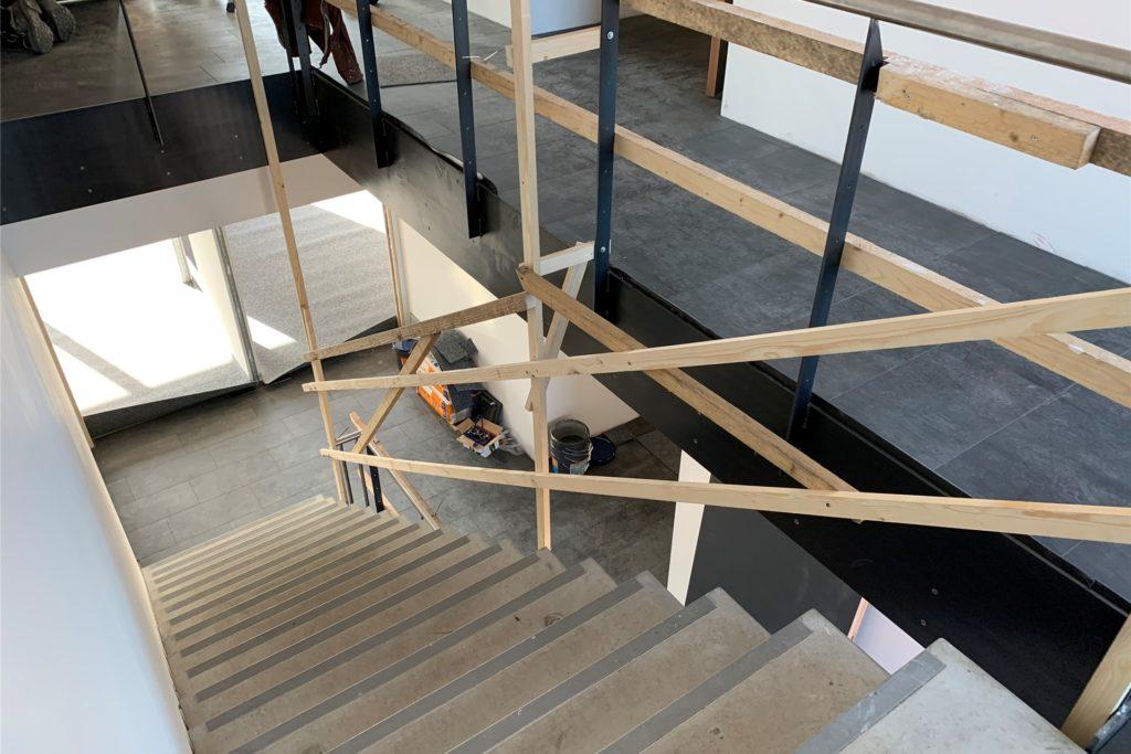 Derzeit finden noch Restarbeiten statt. Das Gebäude wurde - mit Ausnahme der Treppe und der Bodenplatte - überwiegend aus Holz gebaut.