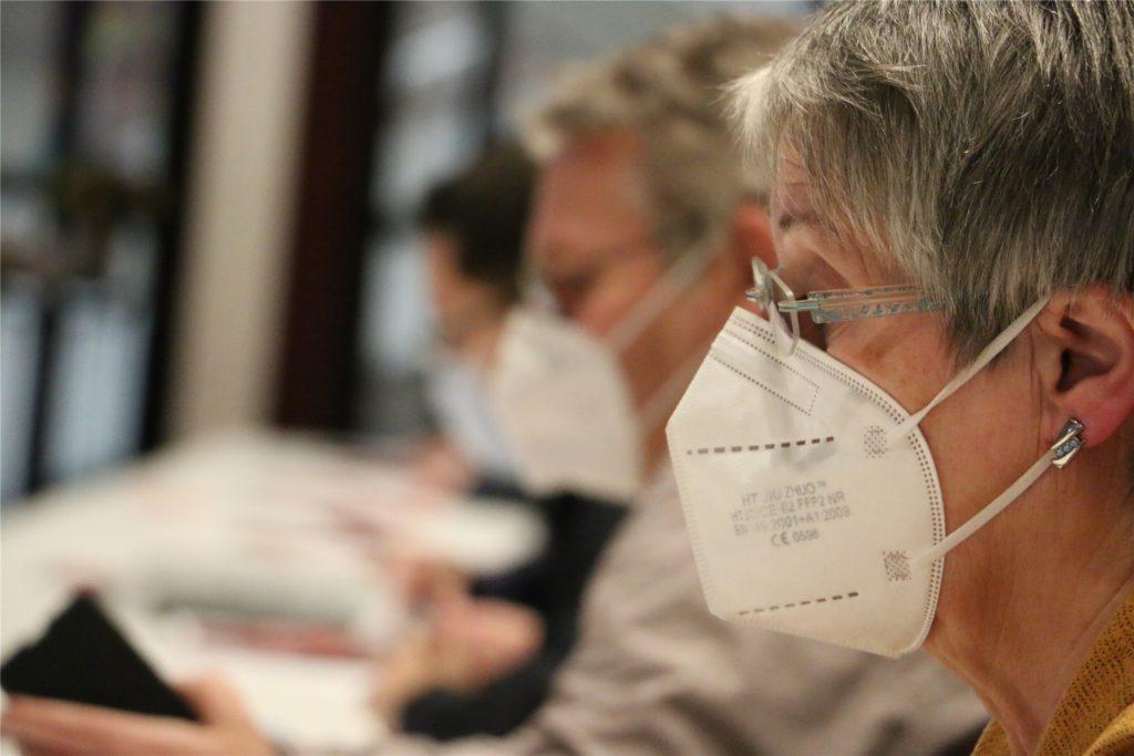 Maskenpflicht, Abstandhalten. Die SPD traf sich am Sonntag in der Stadthalle, um ihren Bundestagskandidaten zu bestimmen.