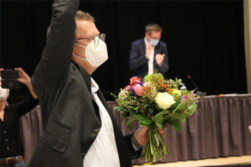 Oliver Kaczmarek nach der Wahl in Jubelpose. Mit 97 Prozent der Stimmen erhielt er am Samstag einen Vertrauensbeweis aus den eigenen Reihen.