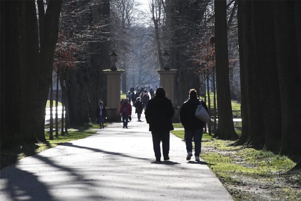 Von Absperr- oder Sicherheitsmaßnahmen war am Wochenende im Schlosspark nichts zu sehen.