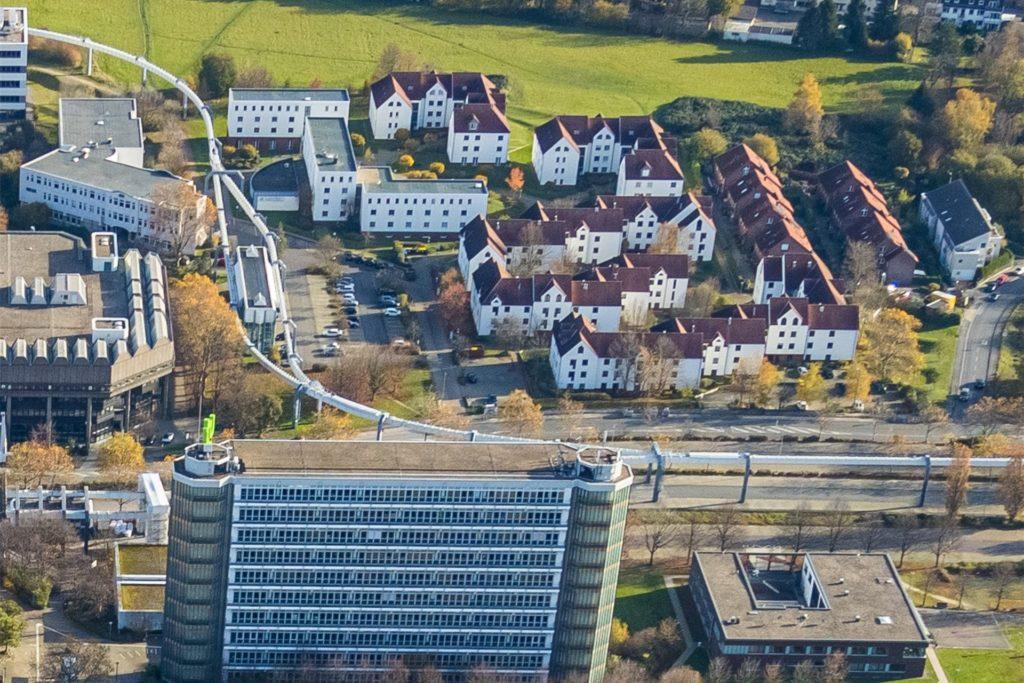 """Auch das """"Studentendorf"""" zwischen Mathe-Tower und Bibliothek am Campus-Nord soll modernisiert werden."""