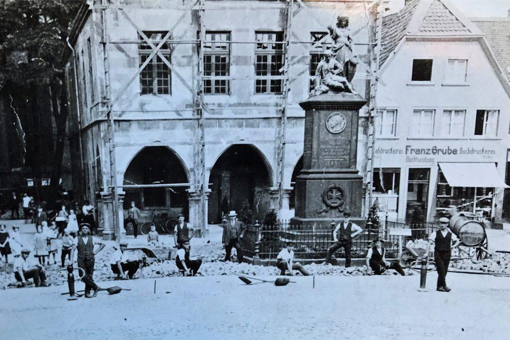 Hier stand die Germania noch auf dem Werner Marktplatz.