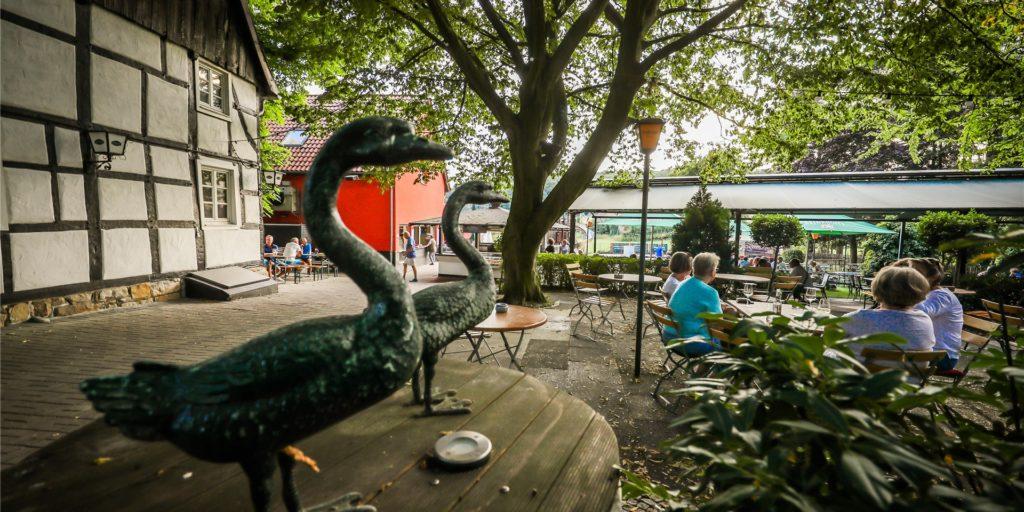 Zumindest die Außengastronomie darf bald wieder geöffnet werden - wie hier bei Tante Amanda in Dortmund-Westerfilde. Seit November ist der Restaurantbetrieb geschlossen - wie überall. Wie wird die Dortmunder Gastro-Szene nach einem Jahr Corona aussehen?