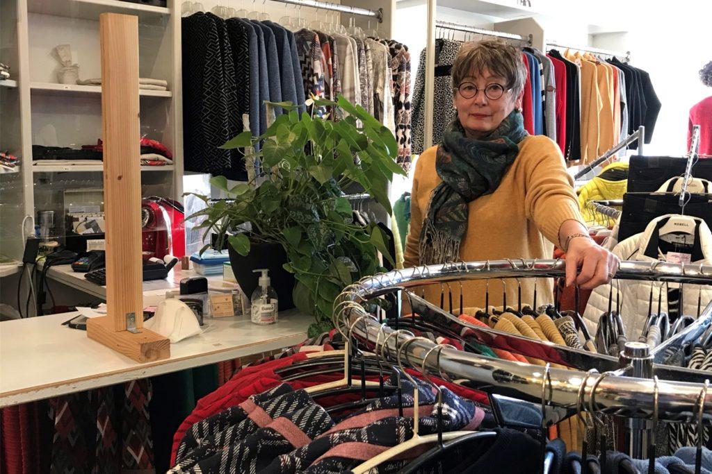 Gabriele Redemann vom Geschäft PeGa-Moden freut sich, dass sie ab Montag, 8. März, wieder öffnen kann. Mit Terminabsprache.