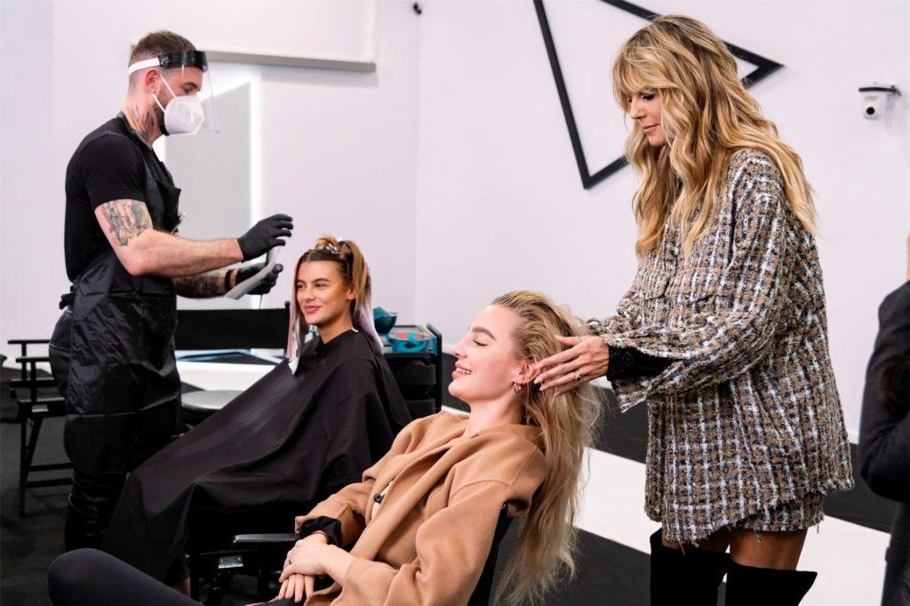 Heidi Klum genießt es, ihre GNTM-Kandidatinnen mit neuen Haarschnitten zu überraschen.