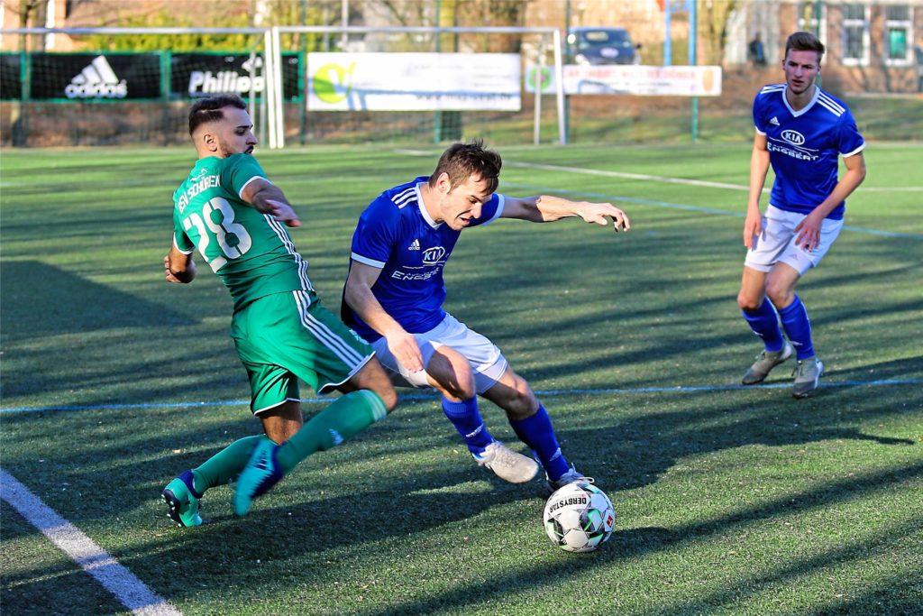 Jonas Weid (M.) spielte in der Jugend für Lippramsdorf und den TuS Haltern am See, ehe es ihn aus der Seestadt zog.