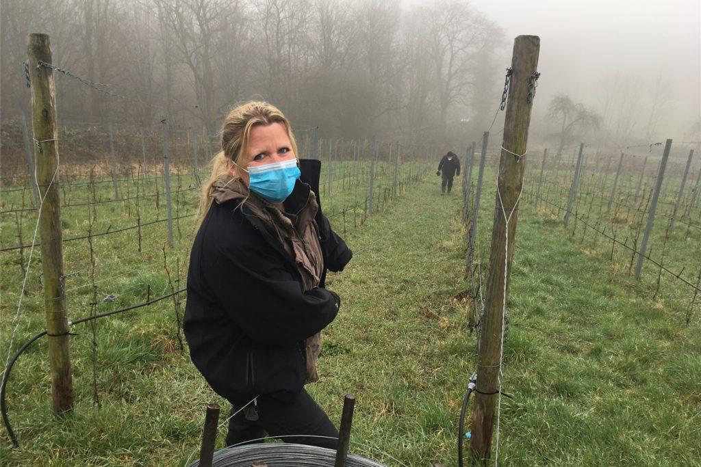 Carola Raffel ist Auszubildende im Weingut Graf Kanitz. Sie kommt aus Cappenberg und soll in Zukunft die geführten Wein-Spaziergänge am Cappenberger Weinberg leiten.