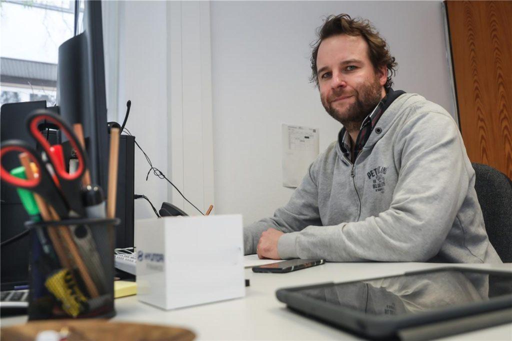 """Sebastian Opitz ist einer von sechs """"Digitalos"""" an der Gesamtschule Scharnhorst und Didaktischer Leiter. Er hat die erste digitale Fortbildung der Schule koordiniert."""