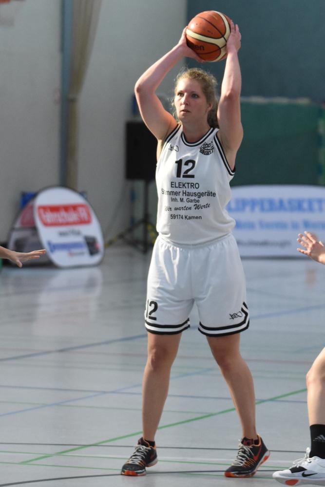 """Sabrina Michalski ist ebenfalls ein Teil der """"Niehüser-Connection"""" bei den LippeBaskets Werne."""