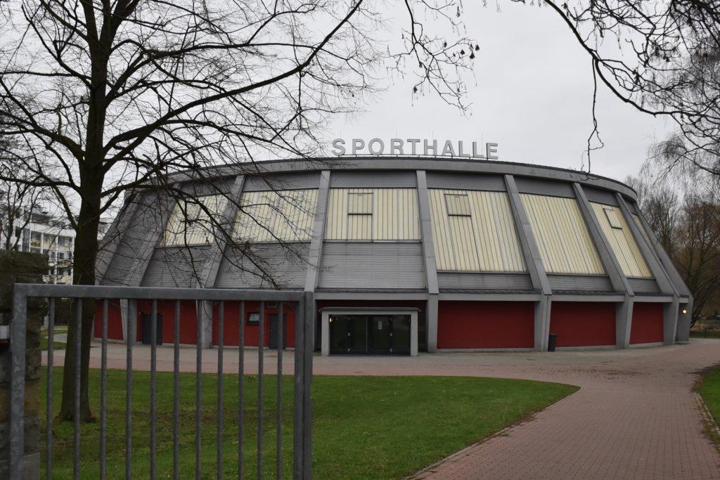 Weil in der Rundsporthalle derzeit nicht trainiert werden kann, sollen jetzt unterschiedliche Stationen im Freien aufgebaut werden.