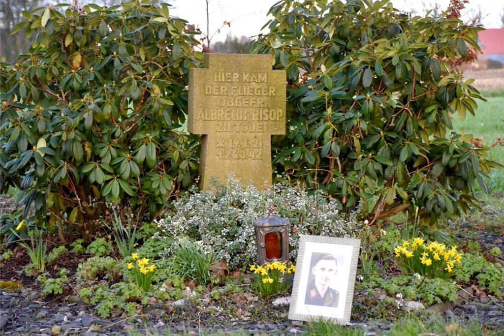 Der Grabstein, der aktuell am Ottenstapler Weg an den Toten erinnert.