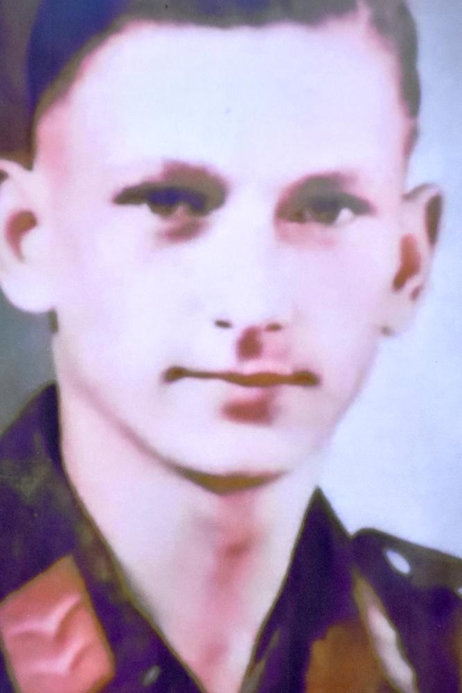 Der Bordfunker Albrecht Risop wurde am 26. März 1942 über Oeding abgeschossen. Seine sterblichen Überreste werden nicht geborgen.