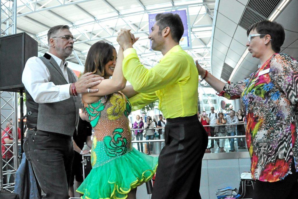 Tanzen ist ihr Leben. Susanne (r.) und Horst Bartsch (l.) haben auch Erfahrung im Umgang mit