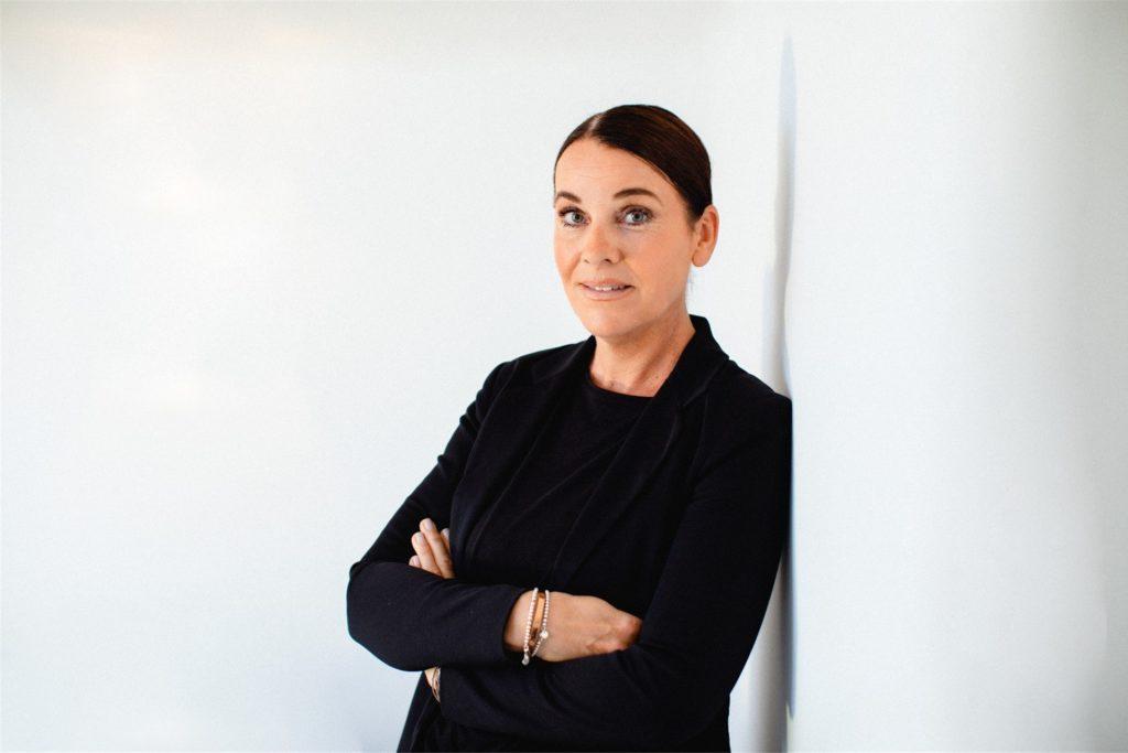 Annette Feller (46):
