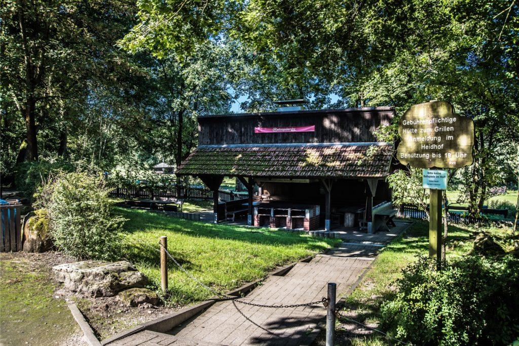 Ein mietbarer Grillplatz auf dem Bottroper Heidhof.