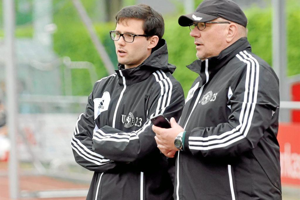 Stephan Polplatz (r.) von Westfalia Wethmar weiß noch nicht, ob es so sinnvoll ist, dass Jugendtraining weiter stattfinden darf.