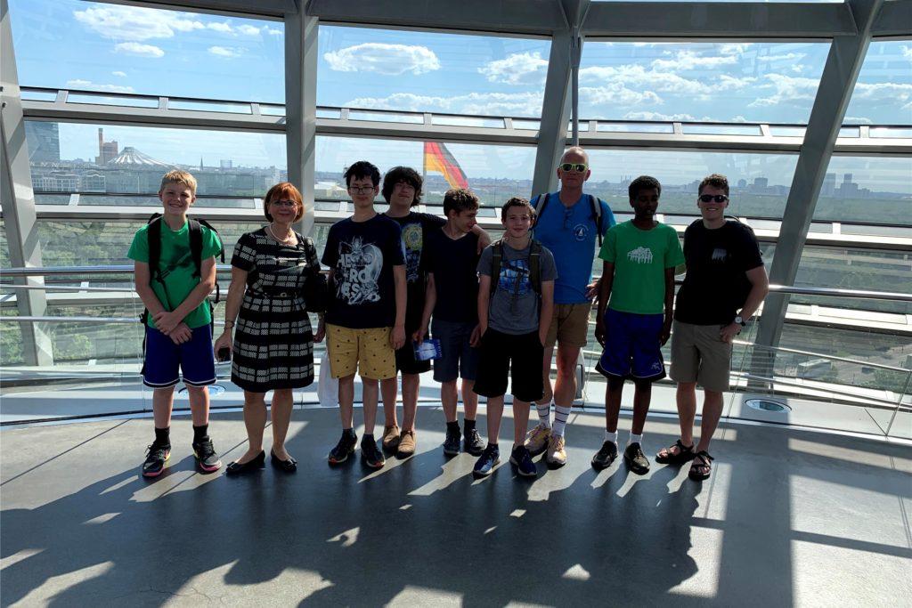 Die Schülergruppe der Hampshire Country School wurde 2019 im Bundestag von der stellvertretenden Regierungssprecherin Martina Fietz empfangen