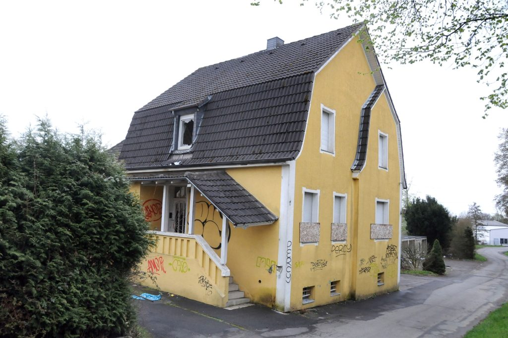 Das leerstehende Gebäude war einmal ein beliebtes Wohnhaus.