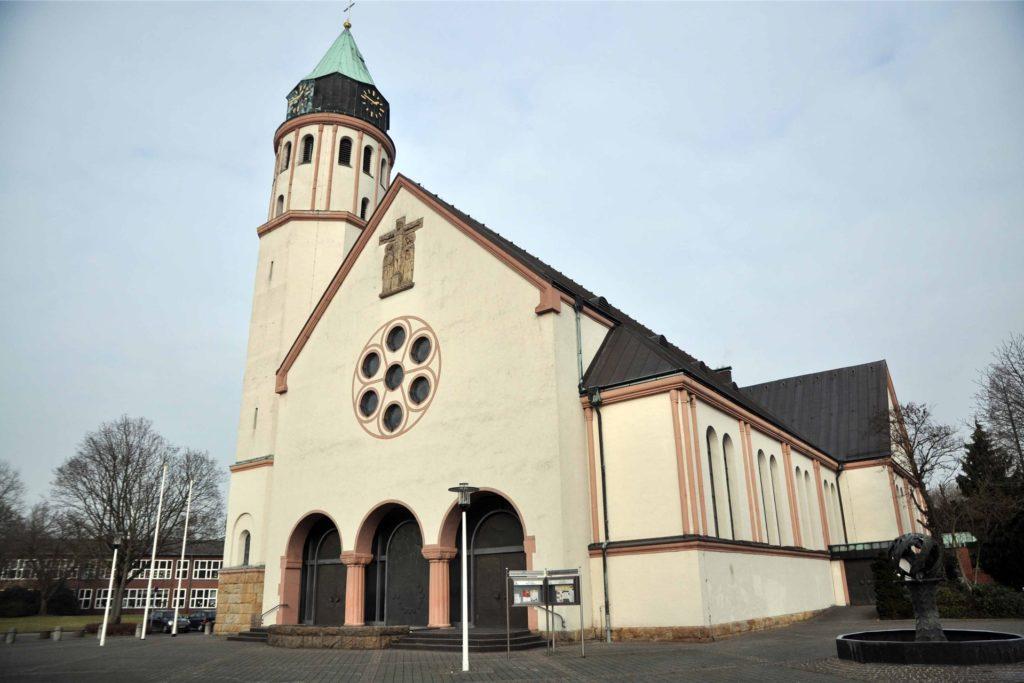 In der Gemeinde St. Josef in Habinghorst war Bischof Dieter Stöckler Mitte der 60er Jahre für kurze Zeit als Vikar tätig.