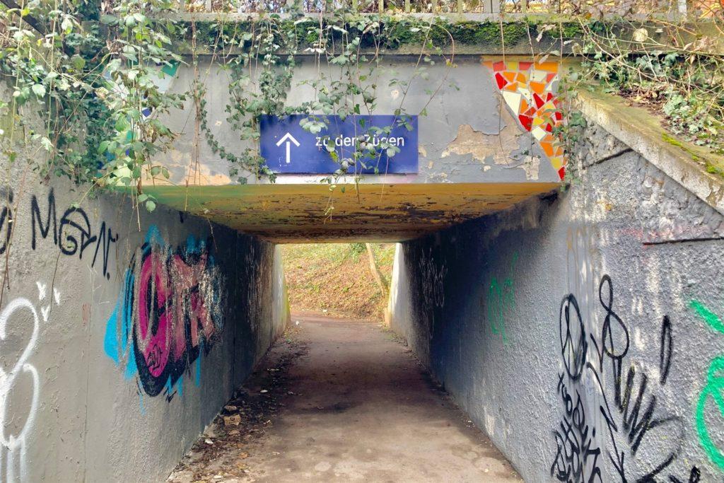 Der Bahnhof Tierpark ist veraltet und verschmutzt. Eine Modernisierung ist hier aber vorerst nicht geplant.